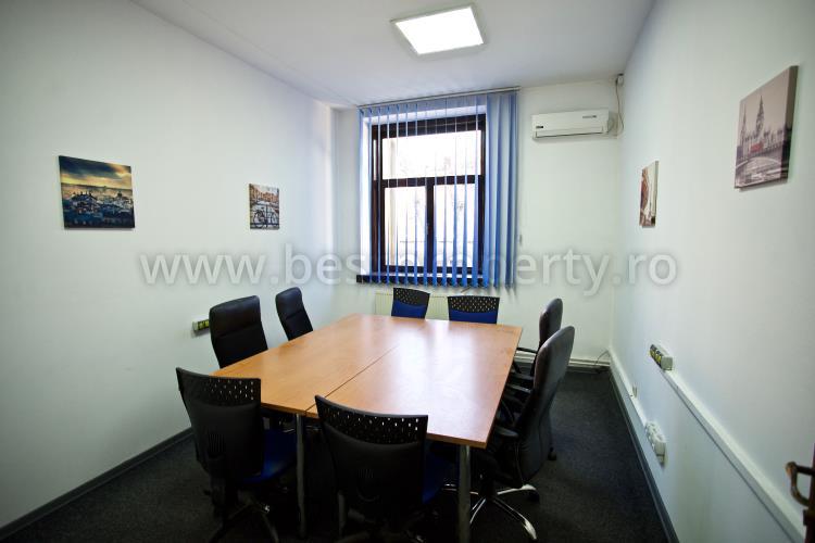Spatiu comercial/birouri 1500 mp de vanzare in Sibiu zona Centrala