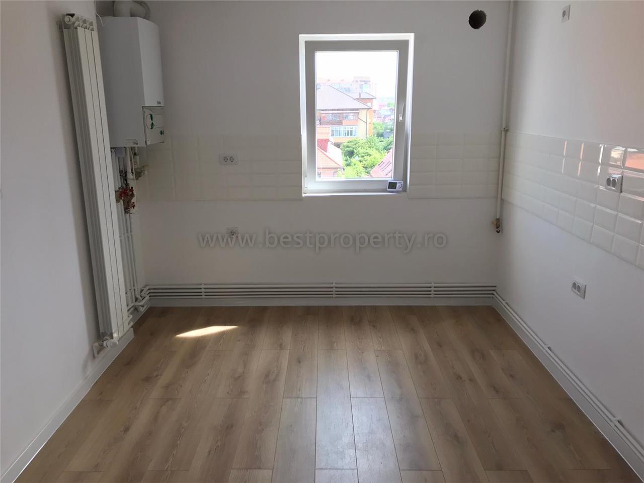 Apartament 3 camere de vanzare zona centrala Calea Dumbravii